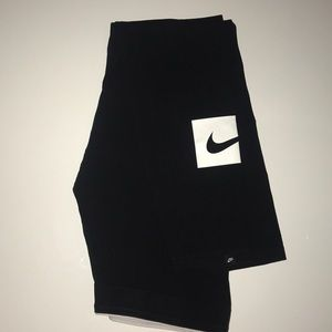 XL Nike Leggings